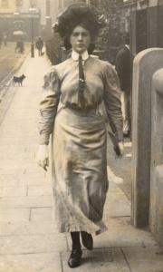 Edward-Linley-Sambourne-Street-Fashion-3